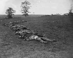 Confederate_dead_gathered_for_burial_at_Antietam